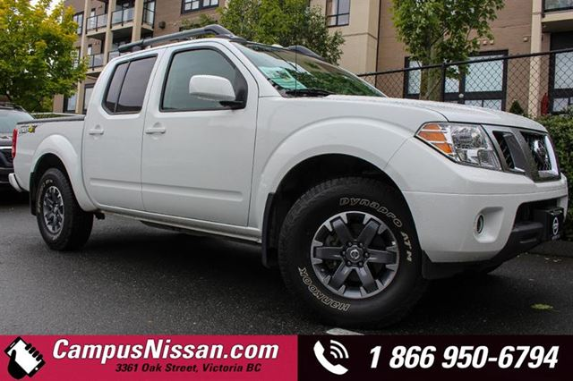 2017 Nissan Frontier Crew Cab PRO4X Navi + Leather in Victoria, British Columbia