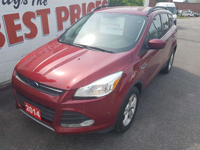 2014 Ford Escape SE HEATED SEATS, BACK UP CAMERA AND SENSORS in Oshawa, Ontario