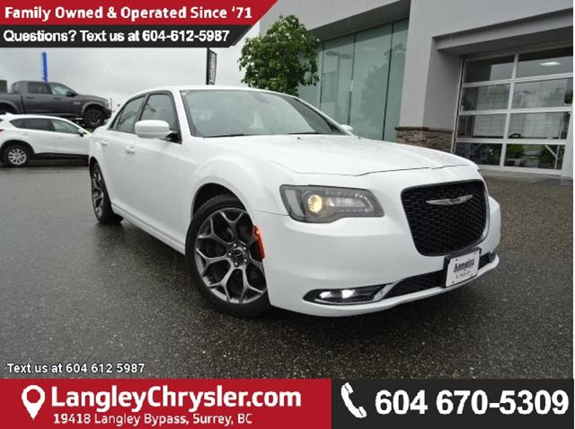 2016 CHRYSLER 300 S ACCIDENT FREE W/NAVIGATION & PANO MOONROOF in Surrey, British Columbia