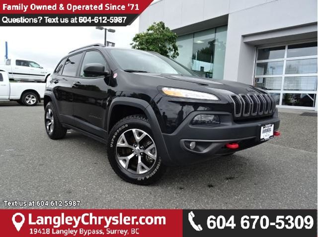 2016 JEEP CHEROKEE Trailhawk ACCIDENT FREE w/ 4X4, OFF-ROAD GROUP & PANORAMIC SUNROOF in Surrey, British Columbia