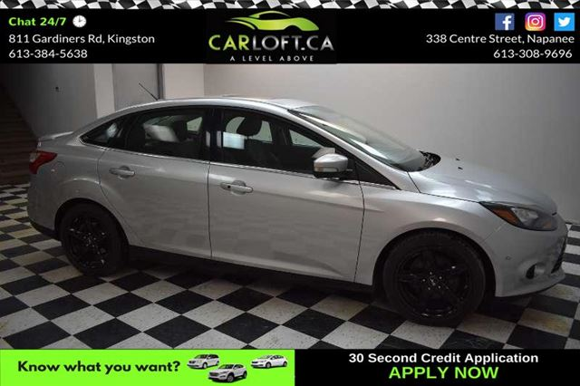 2012 FORD FOCUS TITANIUM - SUNROOF**HEATED LEATHER**BACKUP CAMERA in Kingston, Ontario