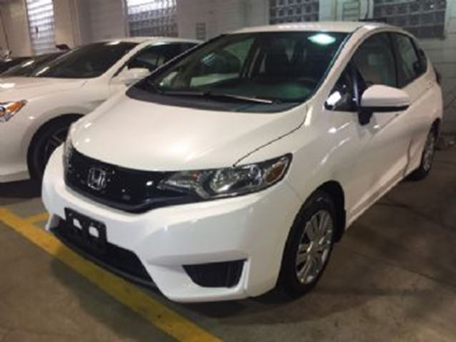 2017 Honda Fit LX W/ FULL TERM WARRANTY ( LEASE BUSTERS SPECIAL ) in Mississauga, Ontario