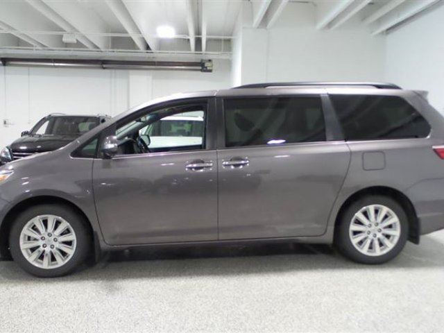 2015 toyota sienna limited awd calgary alberta car for. Black Bedroom Furniture Sets. Home Design Ideas