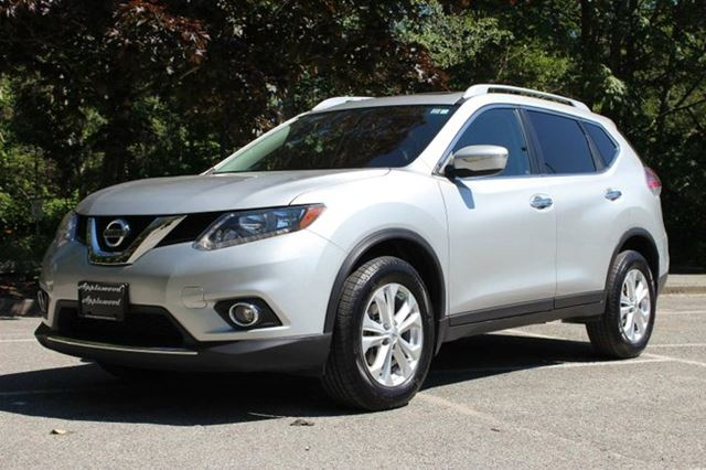 2014 NISSAN ROGUE SV in Langley, British Columbia
