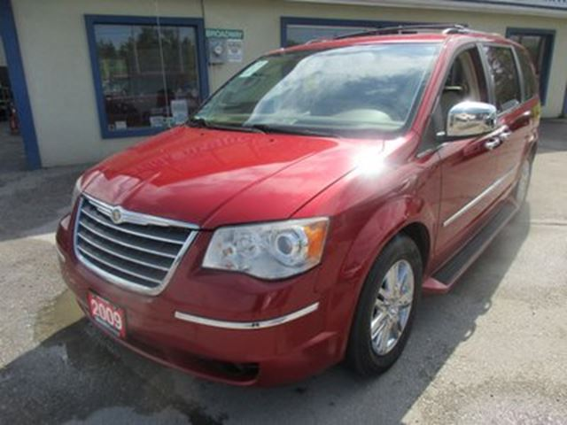 2009 Chrysler Town and Country LOADED LIMITED EDITION 7 PASSENGER 4.0L - V6..  in Bradford, Ontario