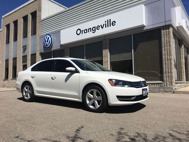 2015 Volkswagen Passat 1.8 TSI Comfortline Power Sunroof Bluetooth ESC in Mono, Ontario