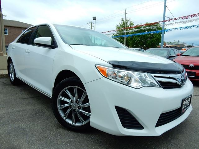 2012 Toyota Camry LE UPGRADE PKG  NAVIGATION  BLUETOOTH in Kitchener, Ontario