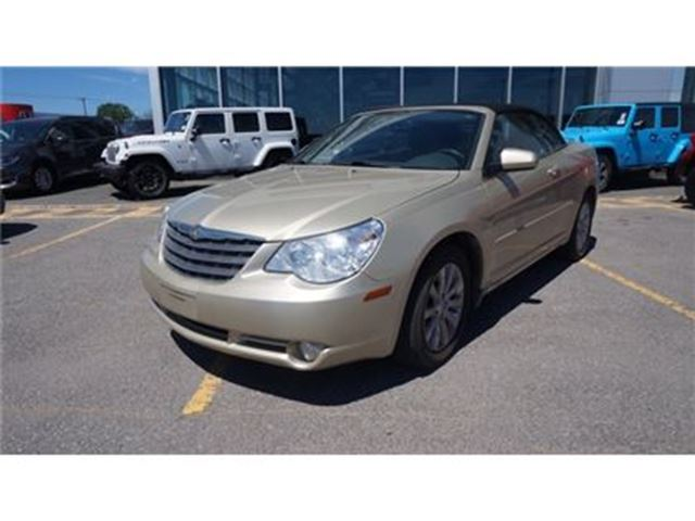 2010 Chrysler Sebring TOURING CONVERTIBLE in Trois-Rivieres, Quebec