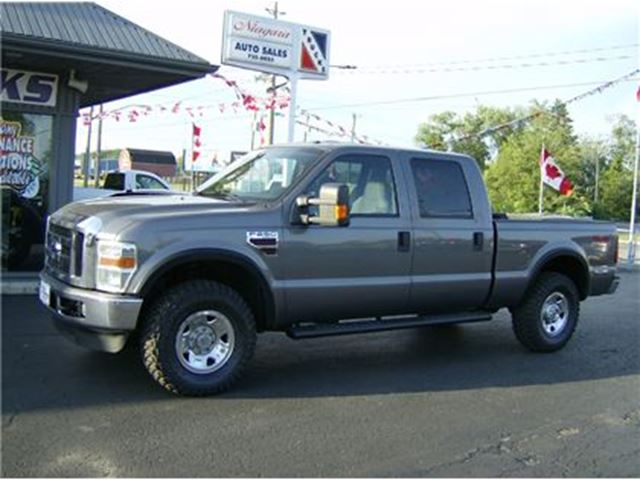 2009 Ford F-250 SUPER DUTY CREW DIESEL !! 4X4 in Welland, Ontario