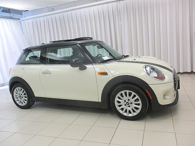 2016 MINI COOPER 3DR TURBO w/ DUAL MOONROOF, HEATED SEATS & BLUE in Halifax, Nova Scotia