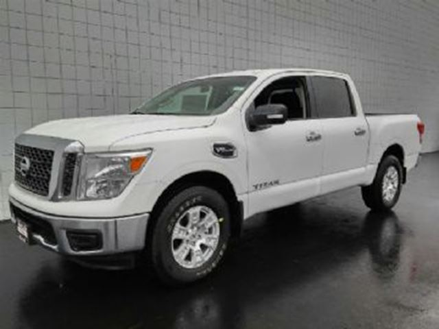 2017 Nissan Titan 5.6L V8 SV 4x4  ALLOY WHEELS, SIDE STEP, HEATED MIRROR in Mississauga, Ontario