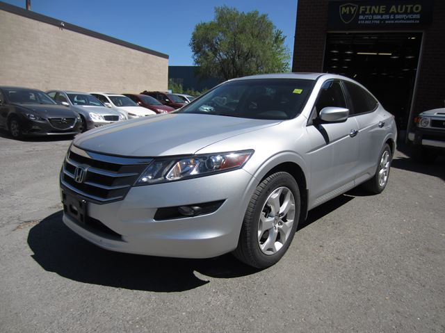 2010 Honda Accord Crosstour EX-L / AWD / LEATHER / SUNROOF / BLUETOOTH in Ottawa, Ontario