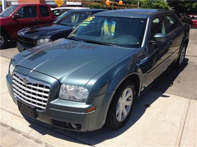 2005 CHRYSLER 300 Touring in St Catharines, Ontario