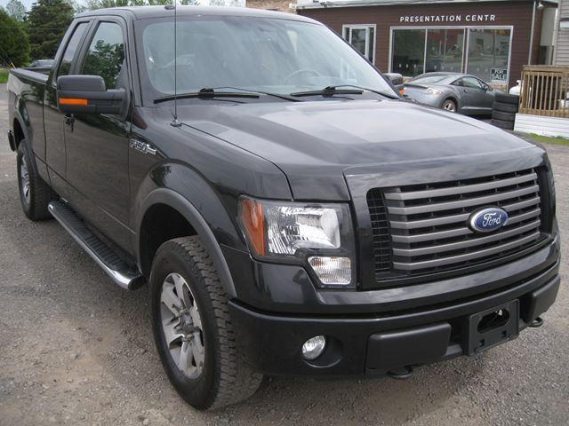 2011 Ford F-150 FX4 *Certified* in Vars, Ontario