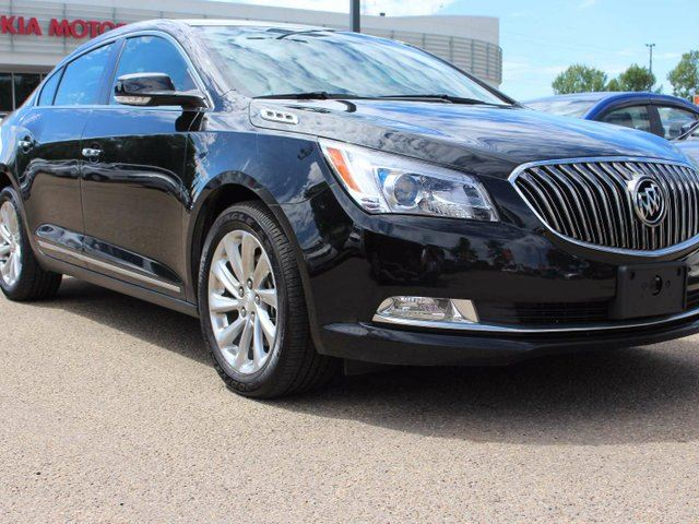 2016 BUICK LACROSSE HEATED SEATS, BACKUP CAM, POWER SEATS, LEATHER in Edmonton, Alberta