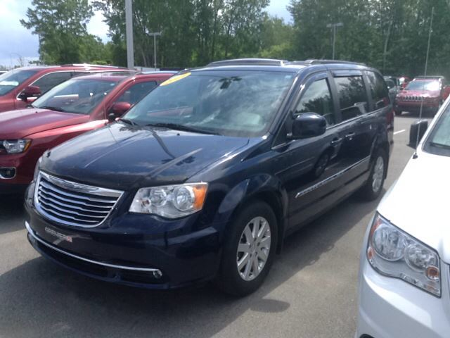 2014 Chrysler Town and Country Touring, TOIT, GPS, DVD/BLUE-RAY, BLUETOOTH in Joliette, Quebec