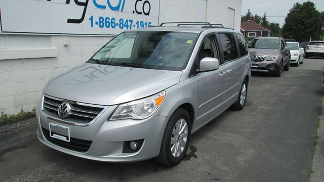 2012 Volkswagen Routan Highline in Richmond, Ontario