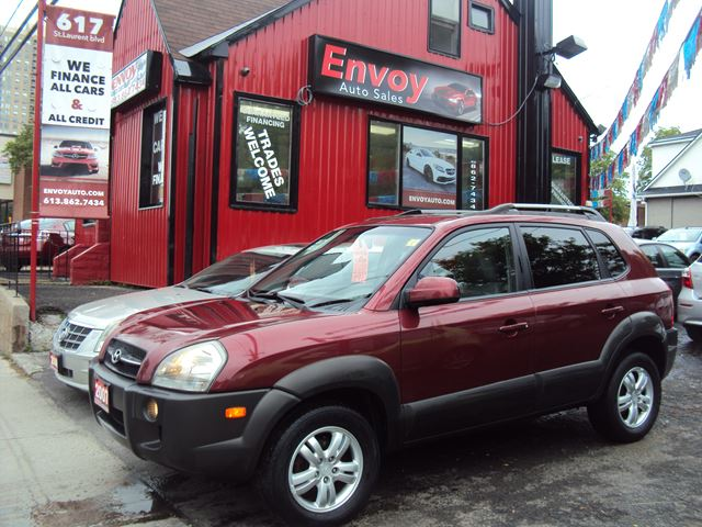 2007 Hyundai Tucson GLS 4WD!!LEATHER!!NO ACCIDENTS!!SUNROOF!! in Ottawa, Ontario
