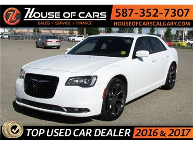 2016 CHRYSLER 300 S / Back up Camera / Bluetooth in Calgary, Alberta