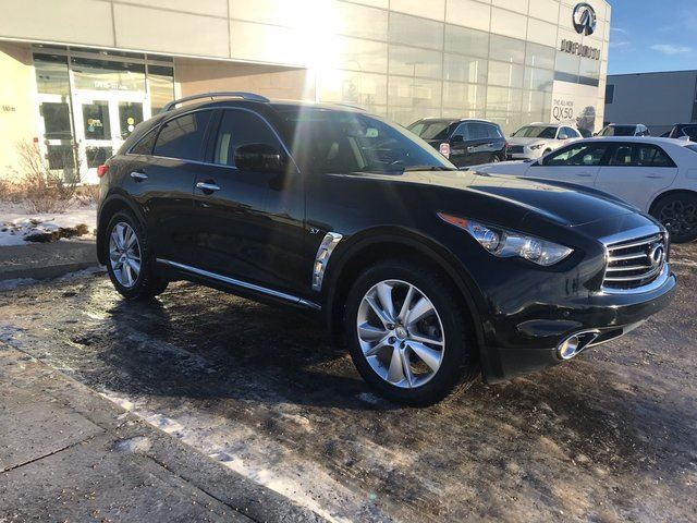 2014 INFINITI QX70 AWD/NAVIGATION/HEATED AND COOLED SEATS/AROUND VIEW MONITOR in Edmonton, Alberta