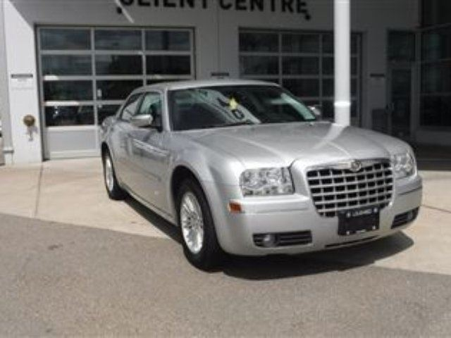 2010 CHRYSLER 300 Touring in Coquitlam, British Columbia