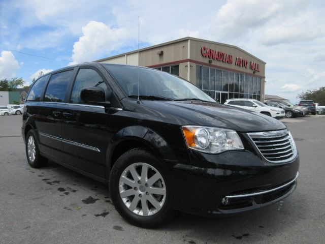 2016 Chrysler Town and Country TOURING, NAV, HTD. SEATS, BT, 24K! in Stittsville, Ontario