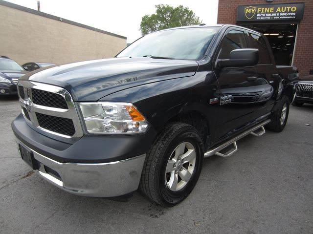 2014 dodge ram 1500 4x4 crew cab st 5 7 l hemi only 48 000 km ottawa ontario car for sale. Black Bedroom Furniture Sets. Home Design Ideas