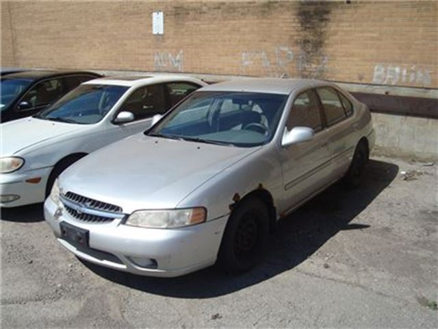 2000 Nissan Altima XE ~ AS-IS ~ in Toronto, Ontario