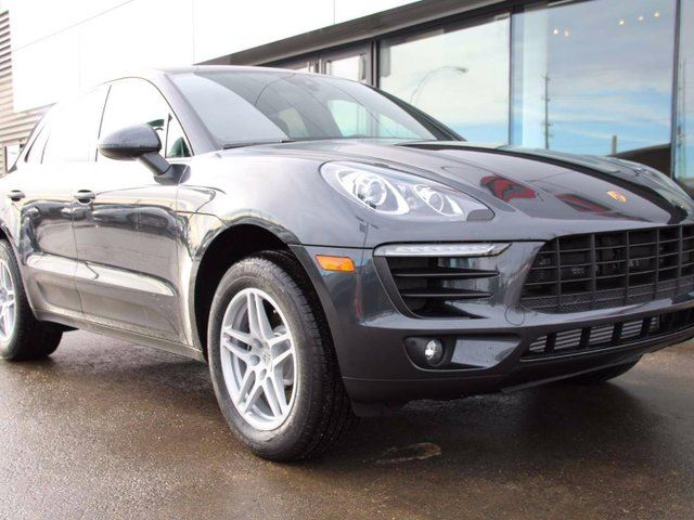 2017 PORSCHE MACAN DEMO | CERTIFIED | UNLIMITED MILEAGE EXTENDED WARRANTY! in Edmonton, Alberta