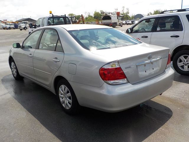 used 2006 toyota camry le innisfil. Black Bedroom Furniture Sets. Home Design Ideas