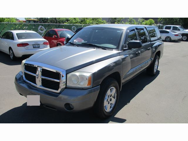 2005 Dodge Dakota Quad Cab 4WD SLT in Mississauga, Ontario