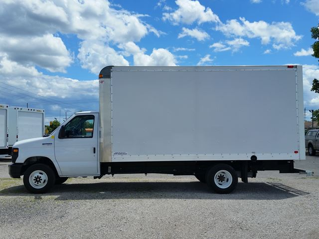 2017 Ford E-450 16ft multivan body in London, Ontario