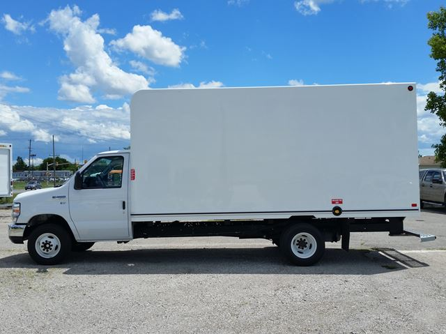 2016 FORD E-450 16ft unicell body in London, Ontario