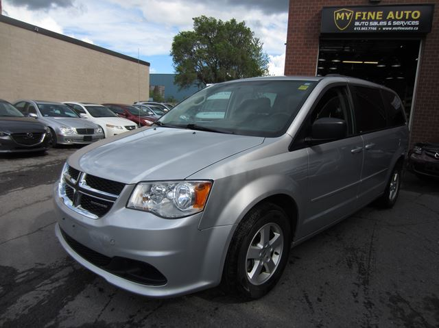 2012 Dodge Grand Caravan SXT PACKAGE / STOWNGO / ONLY 96 KM / DEALER MAINTAINED in Ottawa, Ontario