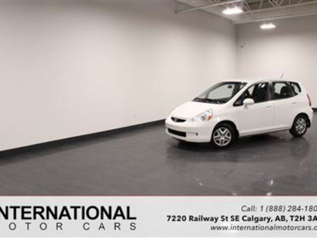 2008 Honda Fit AUTO! BLOWOUT PRICING!! in Calgary, Alberta