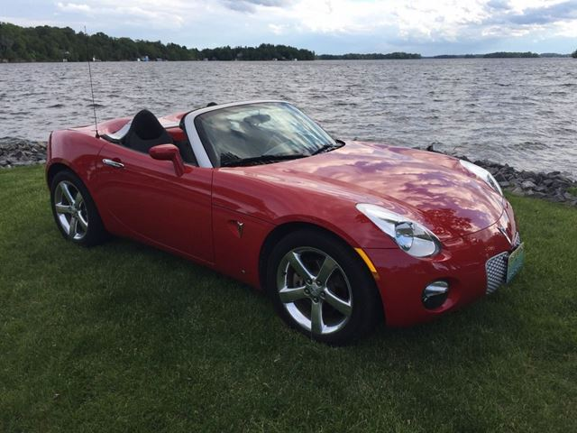 2007 Pontiac Solstice Only 49000 km in Perth, Ontario