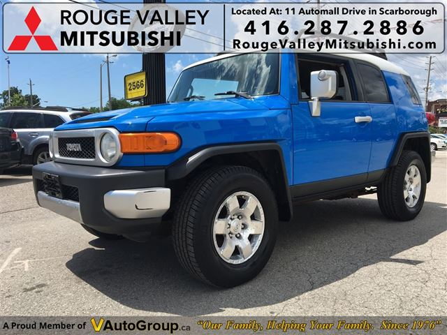 2007 Toyota FJ Cruiser BODY IN GREAT SHAPE, PRICED TO SELL !!! in Scarborough, Ontario