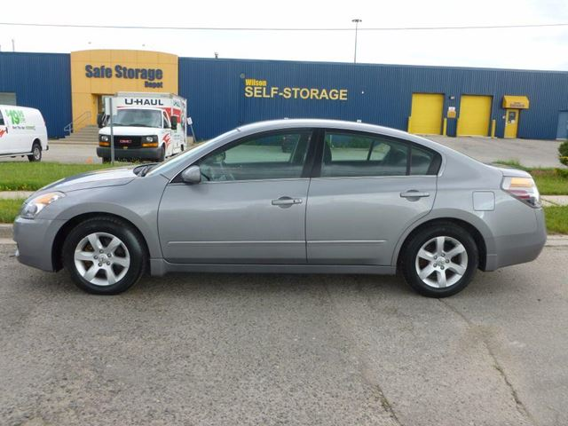 2008 nissan altima 2 5 s toronto ontario car for sale 2810525. Black Bedroom Furniture Sets. Home Design Ideas