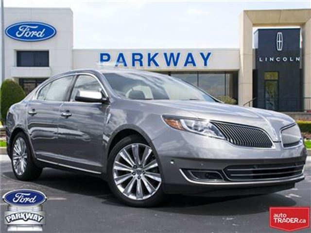 2016 Lincoln MKS AWD  LEATHER  SUNROOF  GPS  BLUETOOTH in Waterloo, Ontario