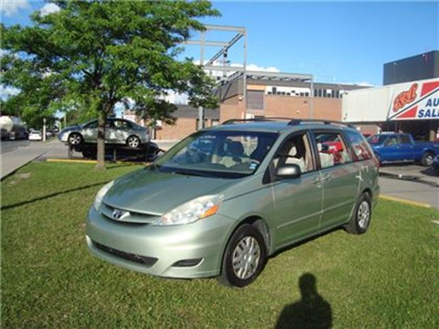 2006 TOYOTA SIENNA ~ CE ~ CERTIFIED in Toronto, Ontario
