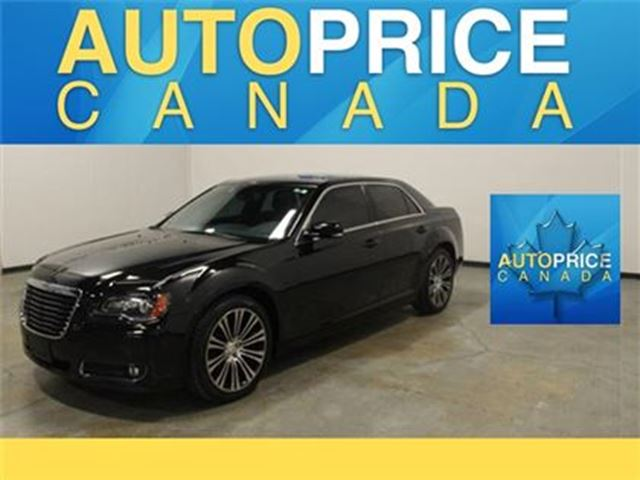 2014 CHRYSLER 300 S PANOROOF NAVIGATION LEATHER in Mississauga, Ontario