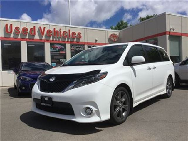 2015 Toyota Sienna SE, SUNROOF, LEATHER, NAVI, 8 PASSENGER, POWER SLI in Toronto, Ontario