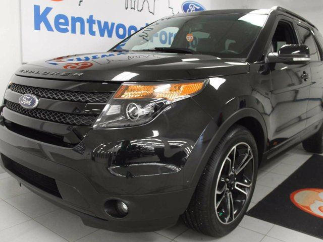 2015 Ford Explorer Sport 4WD ecoboost with leather heated/cooled seats, NAV, sunroof, back up cam, power liftgate in Edmonton, Alberta