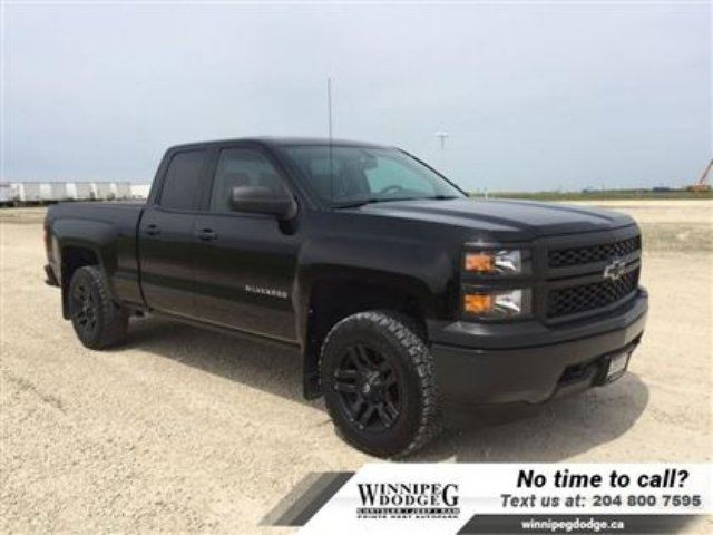 2015 CHEVROLET SILVERADO 1500 Double Cab 4x4 w/Level Kit *Local* in Winnipeg, Manitoba