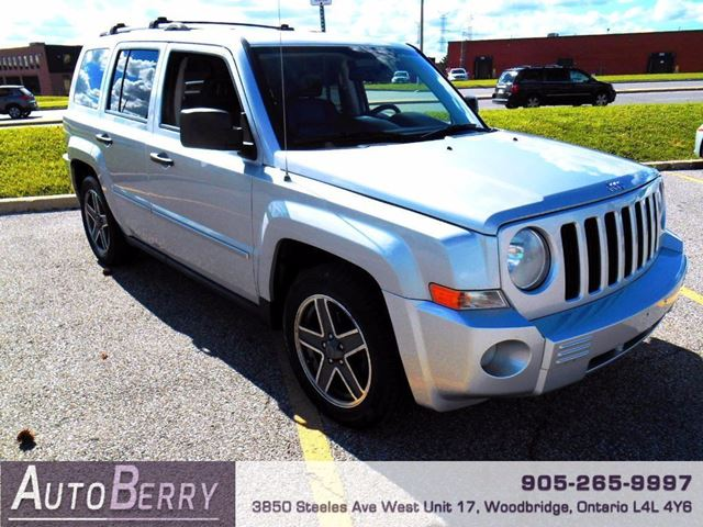 2009 JEEP PATRIOT LIMITED - 2.4L - FWD in Woodbridge, Ontario