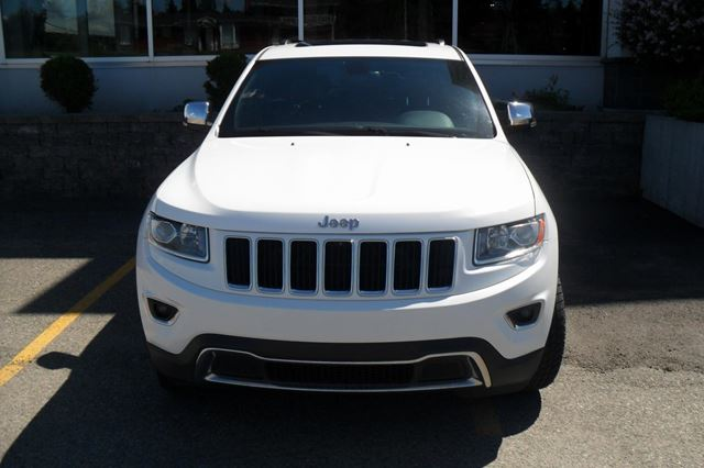2014 Jeep Grand Cherokee TOIT OUVRAN in Jonquiere, Quebec