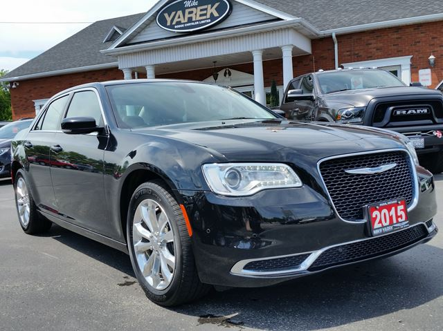 2015 Chrysler 300 Touring AWD, NAV, Pano Roof, Remote Start, Back Up Cam, Heated Seats in Paris, Ontario