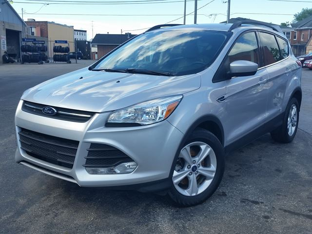 2015 Ford Escape SE,HEATED LEATHER SEATS,2.0 LTR ECO,SYNC,BACK-UP-CAMARA,POWER SEAT in Dunnville, Ontario