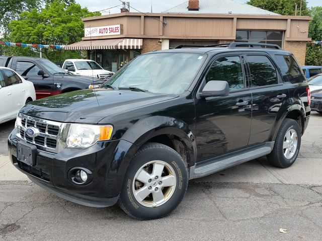 2010 FORD ESCAPE XLT 4WD in St Catharines, Ontario