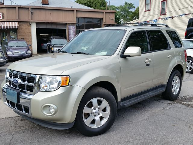 2012 FORD ESCAPE Limited 4WD in St Catharines, Ontario